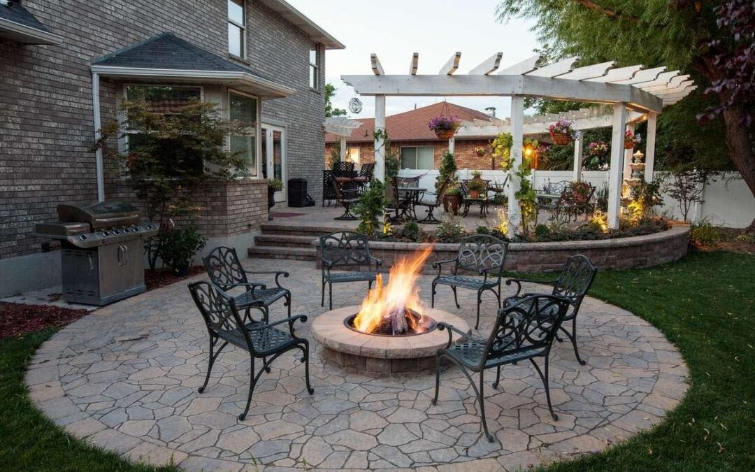 Heat Your Outdoor Living Space With a Fire Pit